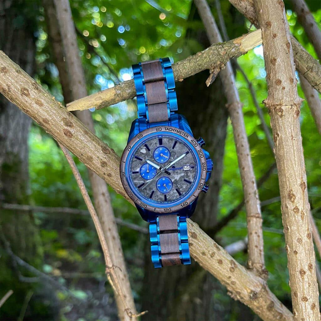 Kronos - Blaue Herren Armbanduhr aus Holz mit grauem Marmorziffernblatt - you4wood